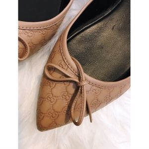 Gucci Shoes - NEW Gucci Agatha GG Point-Toe Flats - size 8